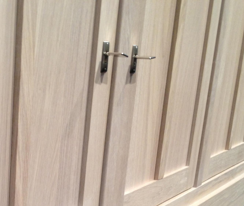 Sleutelslot in deur